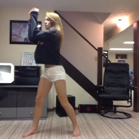#Deuces #ChrisBrown #Dance???? - #Deuces #ChrisBrown #Dance🎶 - Amymarie Gaertner s post on Vine