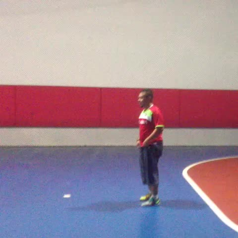 Taufeeq Hamzahs post on Vine - Even Falcao cant do this 😂 #malayvines #futsal #footballvines - Taufeeq Hamzahs post on Vine