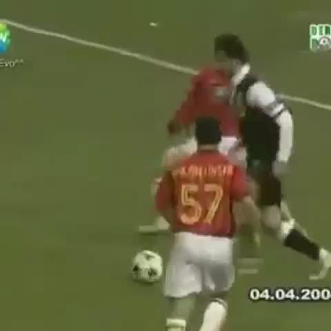 """Galatasaray Statss post on Vine - Fikret Orman: """"Buraka verilen penaltıyı unutmadık..."""" Yasin Sülünün taklasını unuttunuz galiba ? - Galatasaray Statss post on Vine"""
