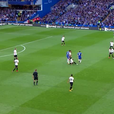 Chelsea FCs post on Vine - A brilliant goal by Oscar at  #StamfordBridge against QPR... #CFC #Chelsea - Chelsea FCs post on Vine