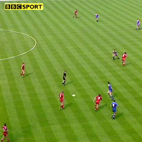 Vine by BBCSport - Vinnie Jones #FACup reducer on Steve McMahon.  Referee Brian Hill just gives him stern word.  Relive the 88 final on BBC Sport now.