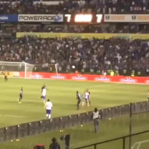 Soccer Machines post on Vine - Vine by Soccer Machine - Did you guys see this goal!! 😱😱 #SWERVEEEE