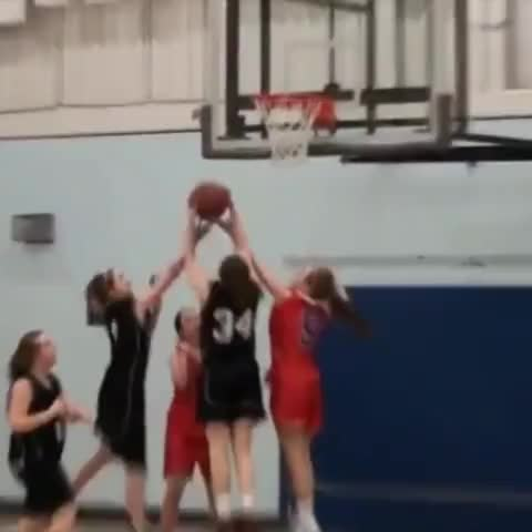 Hoop Vines post on Vine - Crazy! High School Girl with the mean dunk! Mad hops! RETWEET!😱😂 #DunkCam #HoopVine - Hoop Vines post on Vine