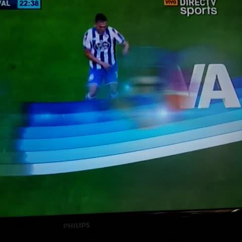 @DepLaCorunaVzlaVines post on Vine - El cañito de Lucas y la patada a Cavaleiro #Deportivo - @DepLaCorunaVzlaVines post on Vine