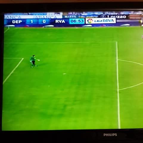 @DepLaCorunaVzlaVines post on Vine - #Deportivo 1-0 #RayoVallecano. Gol de Jose Rodriguez. Se estrena el #Depor en #Riazor - @DepLaCorunaVzlaVines post on Vine