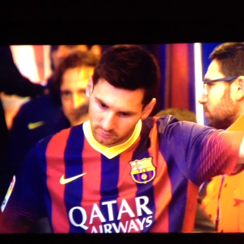 Tosepowers post on Vine - Ojo con Messi... Minutos antes del comienzo del Barça - Athletic - Tosepowers post on Vine