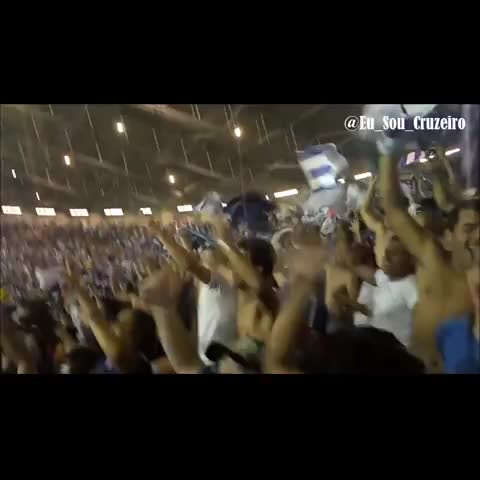 Lê lê lê lê lê lê lê ôôôô #Cruzeiro eu sou!!! Show da maior torcida de MG na Toca III - Eu Sou Cruzeiros post on Vine