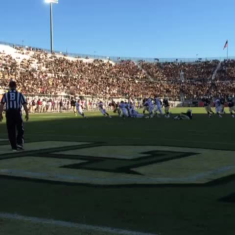 The old J.J. catch-and-run. Works every time! #ChargeOn #UCFHC - UCF Knightss post on Vine