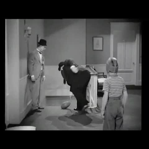 Vine by Laurel And Hardy - Block-Heads vine #LaurelAndHardy