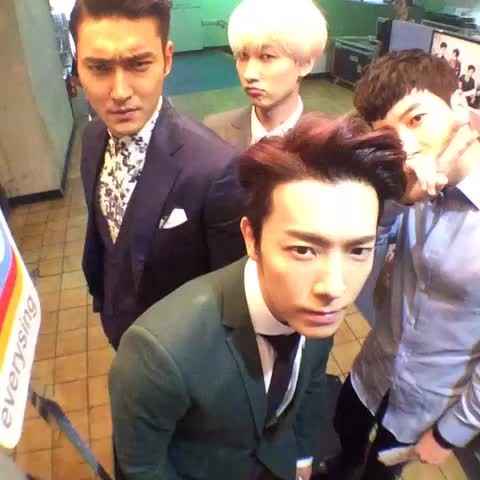 """[#100thSuperShow] #SuperJunior WORLD TOUR """"SUPER SHOW 6"""" with @smtownglobal, LEETEUK EUNHYUK DONGHAE SIWON - SMTOWN GLOBALs post on Vine"""