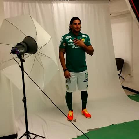 Club León Oficials post on Vine - Se toman las fotos oficiales para la Liga Bancomer MX. - Club León Oficials post on Vine