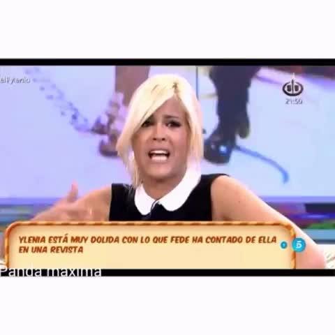 Vine by Ylenia Padilla Cf - Cuando te encuentras con tu ex en una fiesta y te pide que vuelvas con él #ylenia  #TeamYlenia #yleniavines #vinealo