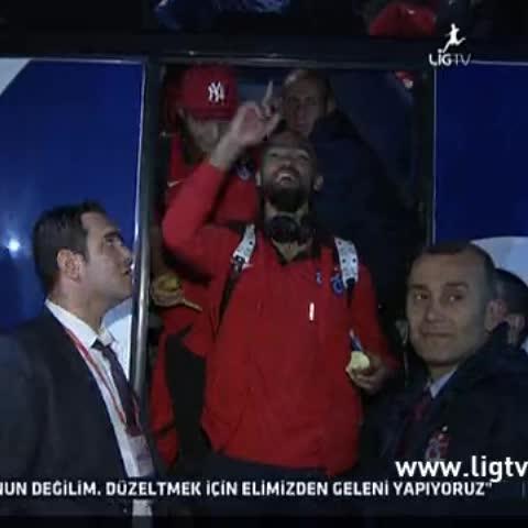 Sercan ÖZTÜRKs post on Vine - Bosingwanın havaalanında çektirdiği  3lü #Trabzonspor - Sercan ÖZTÜRKs post on Vine