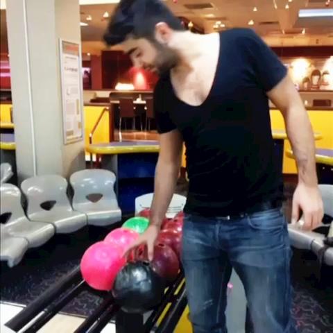 Berat Toksoz – Bowling Oynarken Ben…. izle