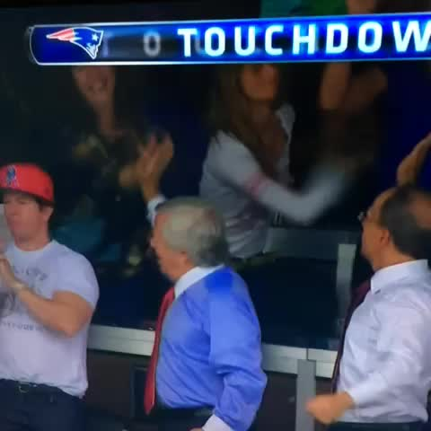 Drew Herchkos post on Vine - When bae is mad and wont celebrate with you. #NFL #wahlberg #kraft #patriots - Drew Herchkos post on Vine