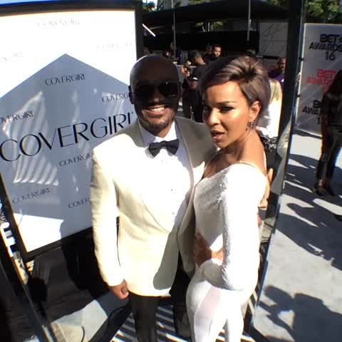 Vine by BET Awards - #GetThatGlam with @thereallraye1 at #BETAwards 2016