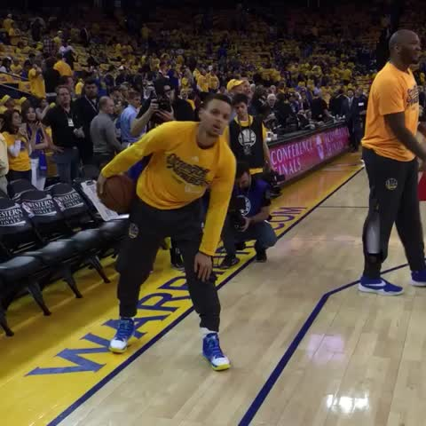 Vine by NBA - Curry checks the runner before the pitch #NBAVine