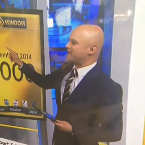 Aaron Wyn Nicholass post on Vine - Its heating up on Sky Sports news. #deadlineday #talktothehand - Aaron Wyn Nicholass post on Vine