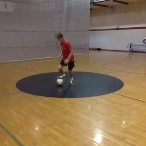 Zach Hamiltons post on Vine - #howto do soccer stuff pt 5 - Zach Hamiltons post on Vine
