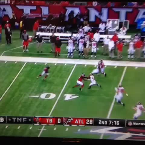 Devin Hester breaks Deion Sanders record on a 62-yard punt return!! #Falcons #NFL - Windy City iGGYs post on Vine