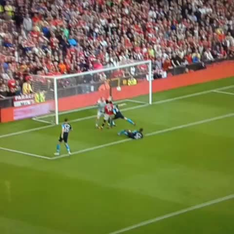 Flavss post on Vine - All 8 goals for Man Utd in the 8-2 win against Arsenal #MUFC #AFC - Flavss post on Vine