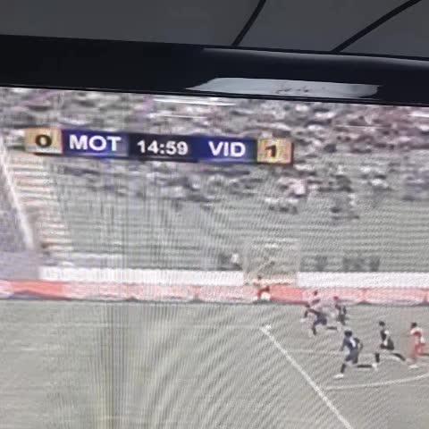 Eddy Hernández adelanta a Vida 1-0 sobre Motagua - Rudy Urbinas post on Vine