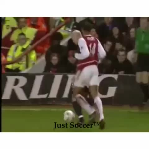 Just Soccers post on Vine - Vine by Just Soccer - Thierry Henry is class. 👌 #sitdown #nutmeg #soccer #henry