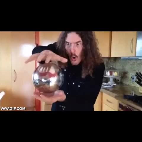 Mejor truco de magia de la historia - Vine by Follow @LoMejorDeVine_ on Twitte - Mejor truco de magia de la historia