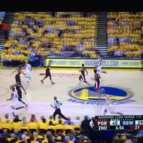 Vine by @World_Wide_Wob - Nice dunk by Barnes but DAT PASS by Draymond ????