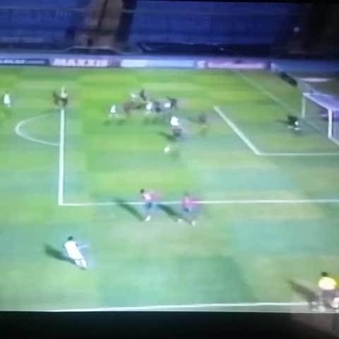 Vine by Publinews Guatemala - Joao Plata del Real Salt Lake abre el marcador al minuto 3. #MUN 0-1 #RSL #Concachampions