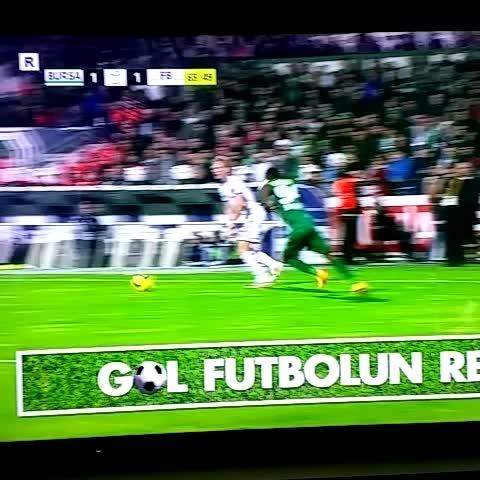 Le but de Kuyt !! - Fenerbahçe Frances post on Vine