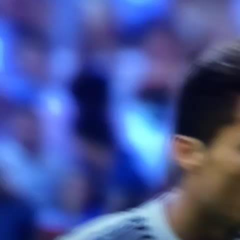 Showboat Viness post on Vine - Ronaldo makes it 1-1 from the spot. #ElClasico - Showboat Viness post on Vine