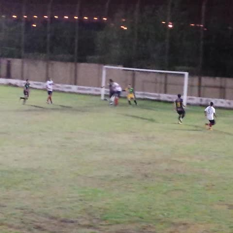Vine by Arenga Deportiva - VIDEO   Maximiliano Mompó pone #Pellegrini 3 - #Arrieta 0. #FederalB