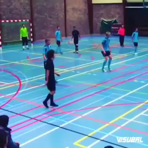 Amazing Soccer Goals™s post on Vine - Vine by Cash Sports - Sick futsal skills!!!!😱😱