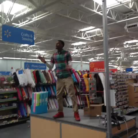 Dese hoes aint loyal @ Wal-Mart #TeamIgnant #hoodcomedy #flytv #LOLATL - DCYOUNGFLYs post on Vine