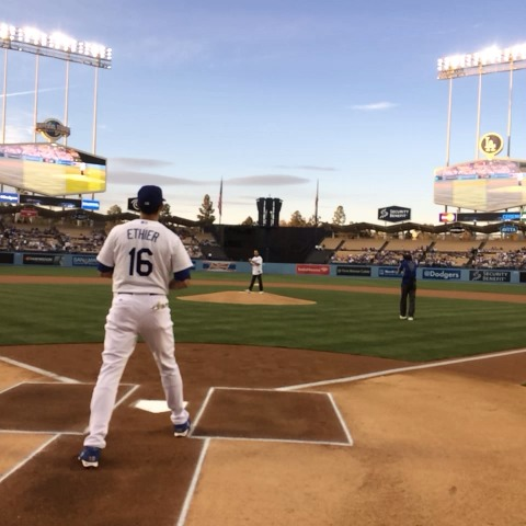 """Watch Dodgers's Vine """"Air Either catches @h3lio's first pitch:"""""""
