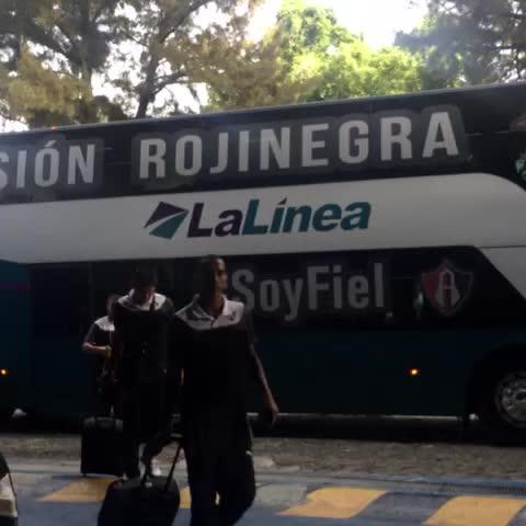 Los rojinegros ya están en el Jalisco. - Atlas F.C.s post on Vine