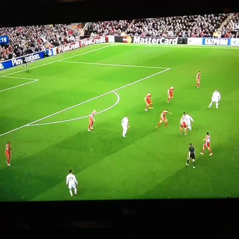 xLFCxFIFAxs post on Vine - Ronaldo first ever goal at anfield 1-0 - xLFCxFIFAxs post on Vine