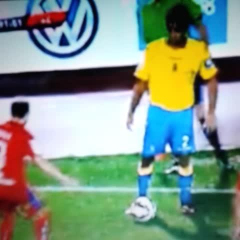 Guille Afonsos post on Vine - El caño de David Simón en la jugada del segundo gol #UDLP #Arribadellos - Guille Afonsos post on Vine