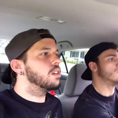 How men and women react with road rage