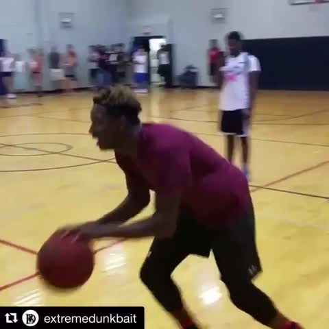 Vine by House of Highlights (Official) - That spin though... 👀😳🔥 (via extremedunkbait/IG)