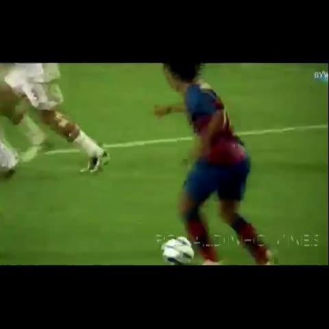 Vine by Ronaldinho Vines - Amazing goal from the #Ronaldinho 😍👌 The best ever...legend!! #Ronaldinhovines #soccer #Barcelona  #FCB