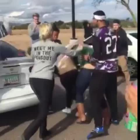 DROPPIN BODIES BITCH!! - Vine by WORLDSTARFIGHTS - DROPPIN BODIES BITCH!!