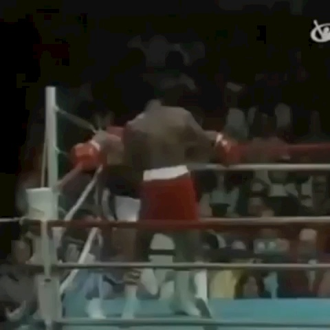Basketball/Sports Beats DJs post on Vine - Vine by Best Basketball Vines - Muhammad Ali On BEAST MODE Dodging All 21 punches Thrown by Michael Dokes #FloatLikeAButterfly #StingLikeABee #canttouchthis