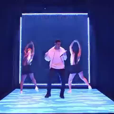 Vine by Drake - #snl #onedance
