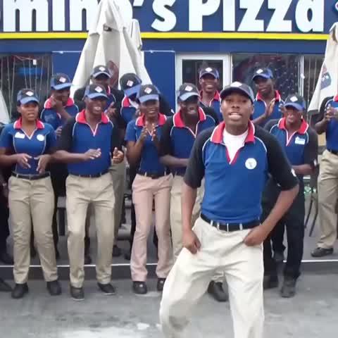 When the #Pizza arrives ????#Dominos #Nigeria - OSHEBABAGODs post on Vine