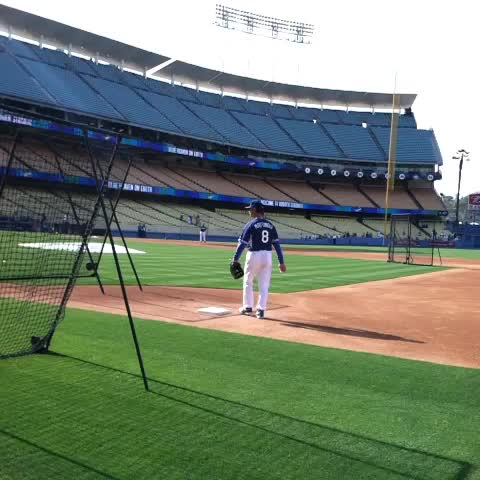 "Watch Mario Solis's Vine ""#DonnieBaseball playing first. #DonMattingly #dodgers #MLB"""