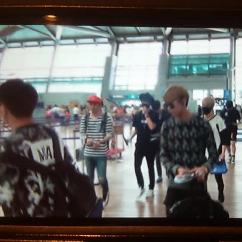 Vine by With_Got7 - 150731 #got7 at ICN 🙌🙋🙋