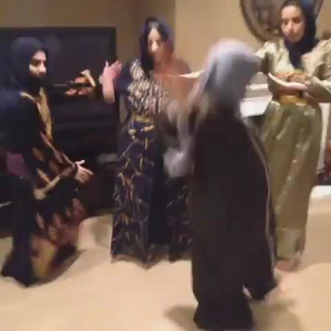 HolyRihannas post on Vine - POUR IT UP #FUNNY #ARAB #RIHANNA #POURITUP - HolyRihannas post on Vine