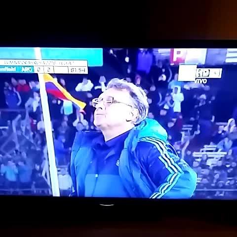 Gooool de Caicedo. Argentina 0 - 2 Ecuador. - Vine by Alejandro Etcheverry - Gooool de Caicedo. Argentina 0 - 2 Ecuador.